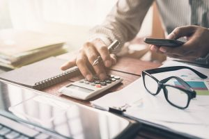 3 Flashy Business Expenses To Use in Moderation